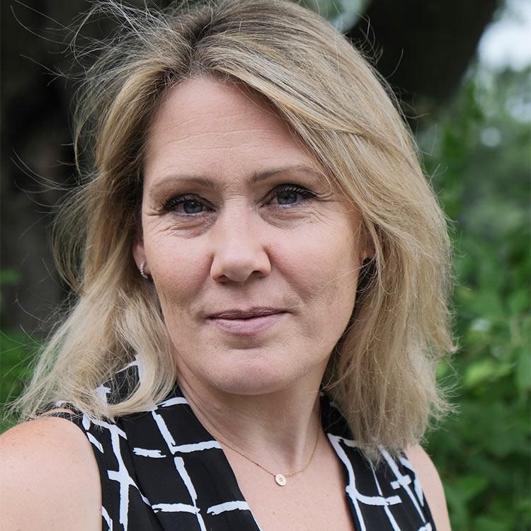 Dr. Florence Erdmann DVM